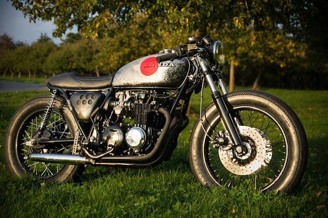 Honda CB550Four By Sur Les Chapeaux De Roues Hell Kustom