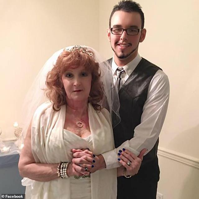 """72-year-old grandma marries 19-year-old man after 2 weeks of dating: """"The wedding night is really wonderful."""""""