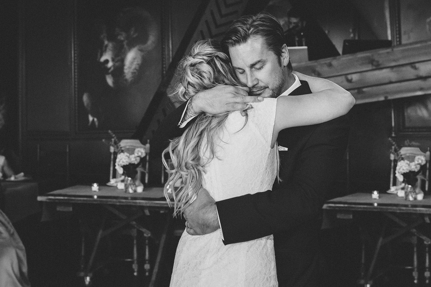 The first dance - Porta Asbury Park Wedding Venue | Documentary wedding photographer - blog.cassiecastellaw.com