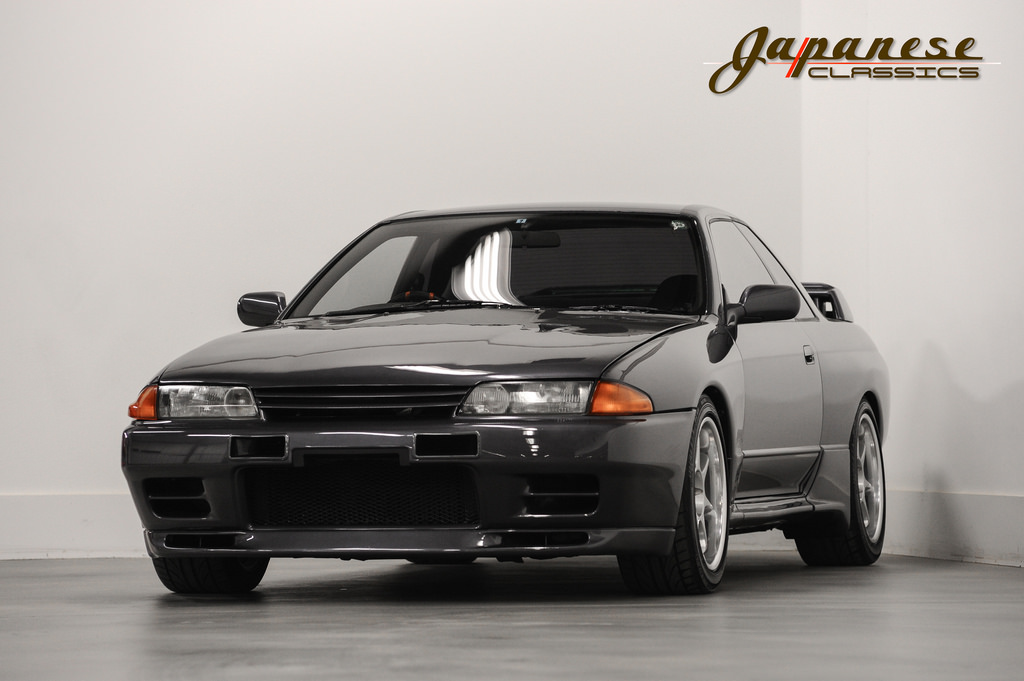 here 39 s your chance to buy a 1990 nissan skyline gt r r32 in the usa carscoops. Black Bedroom Furniture Sets. Home Design Ideas