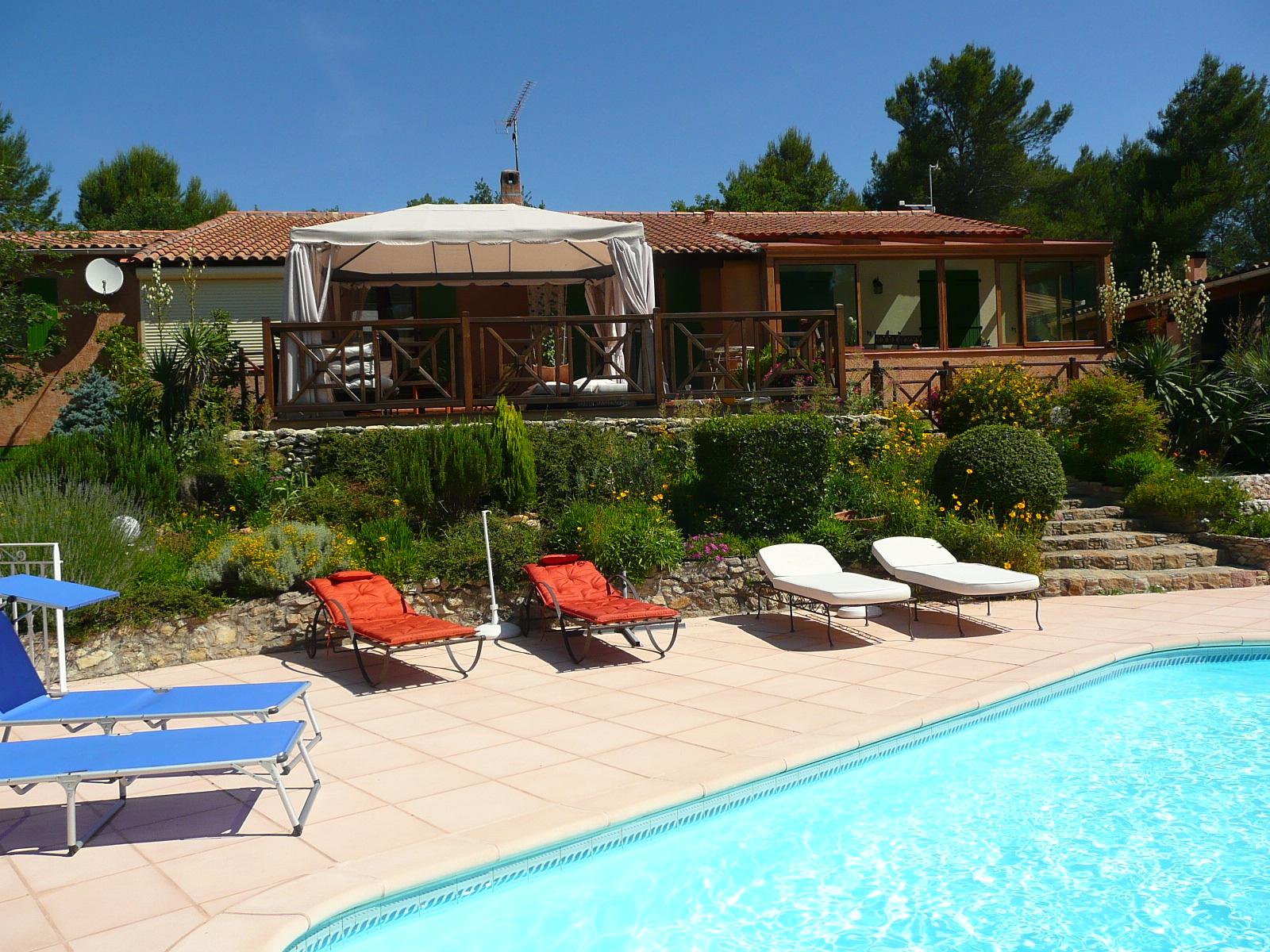 Bandb chambre d 39 h tes piscine chauff e jacuzzi entre aix en provence et cassis t l - Chambre d hotes aix en provence piscine ...