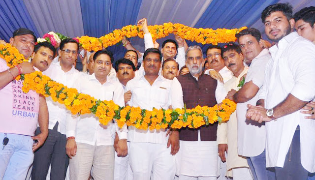 centre-minister-for-state-krishan-pal-gurjar-reached-tilpat-village-faridabad