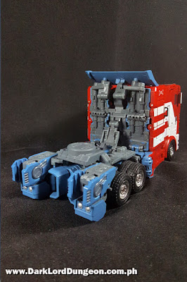 Transformers G-Studio Ultra Maxmas Optimus Prime Truck Mode