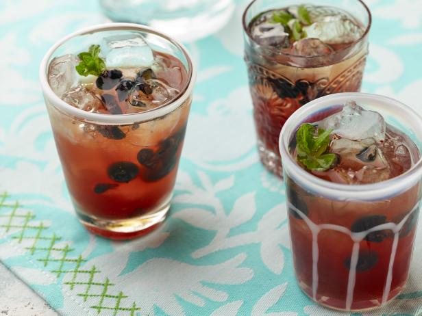 Earl Grey Tea and Blueberry Spritzer