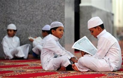 Mazeed dekein urdu mai Article  اولاد کو پُر اعتماد بنائیے