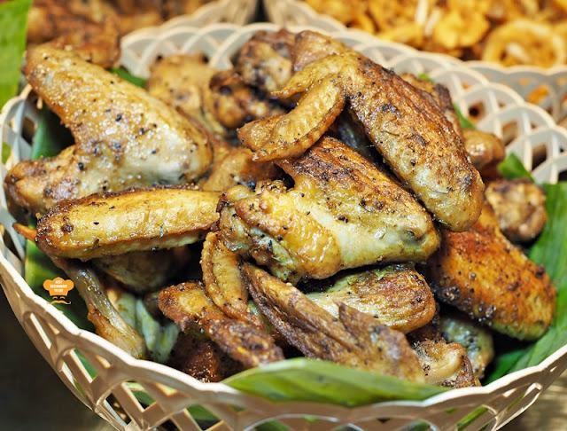 fried Chicken Wings Juadah Kampung Buffet Dinner Kontiki Restaurant The Federal Hotels Kuala Lumpur