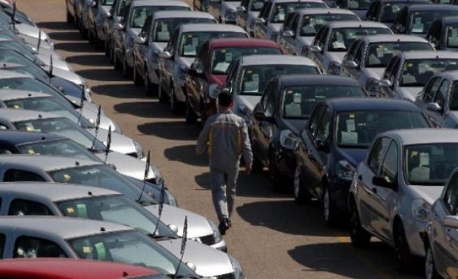Sıfır otomobil ve hafif ticari araç pazarında düşüş oldu