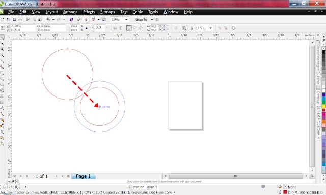 Alinhe a engrenagem com o círculo, e agrupe-os.   Para alinhar objetos, pode puxá-los e colocá-los um no centro do outro.  Assim... Mudei essa imagem só para dar um exemplo.