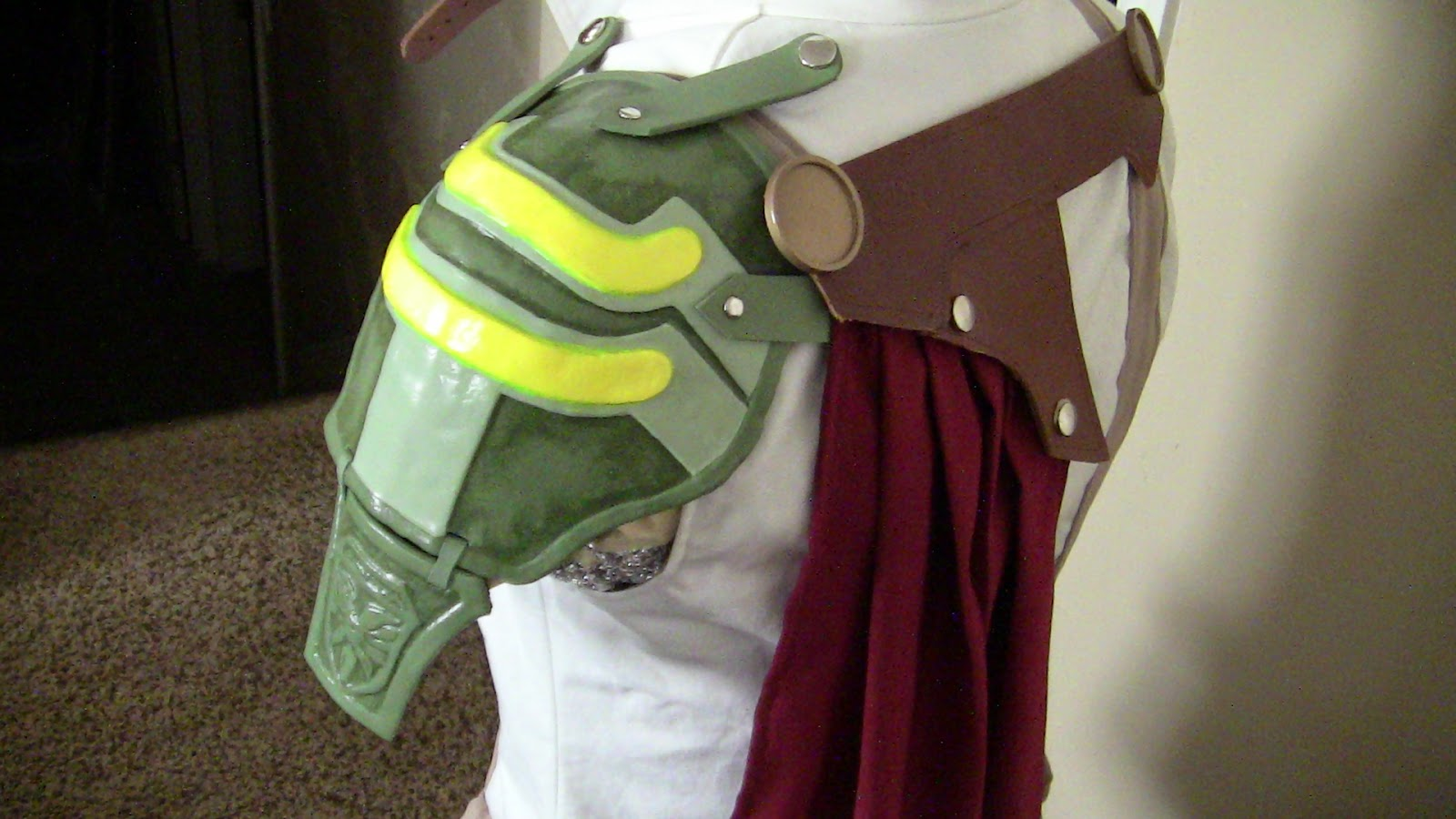 lightning cosplay pauldron shoulder armor final fantasy xiii