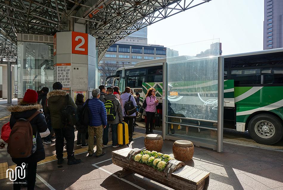วิธีเดินทางไป หมู่บ้านชิราคาวาโกะ (Shirakawa-go)