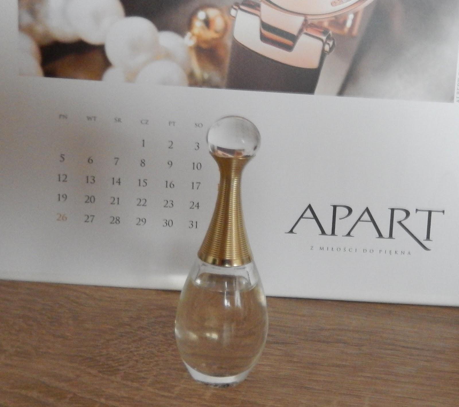 420a10bb859437 Te perfumy, to jedne z moich faworytek, o pięknym, kwiatowym, zmysłowym,  kobiecym, uwodzicielskim, wyszukanym zapachu, który przypomina mi o ważnych  ...