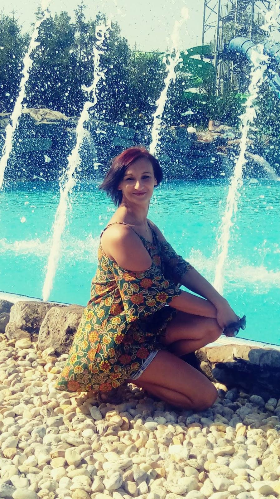 Baseny termalne  i park wodny Lipót  z kempingami na Węgrzech:)