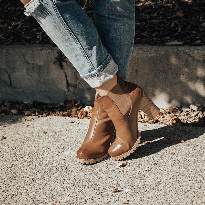 chunky heeled booties in cognac, cognac boots, winter boots