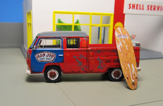 GreenLight Volkswagen Type 2 T2 Double Cab Pickup