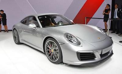 2017 Next Porsche 911 R Generation concept show front view