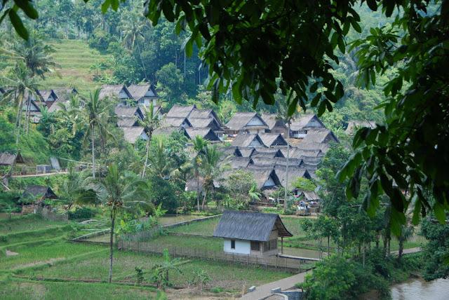 Kampung Naga Desa Neglasari Tasikmalaya
