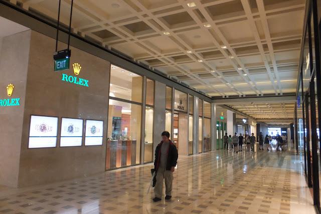 marina-bay-sands-mall マリーナベイサンズ高級店街