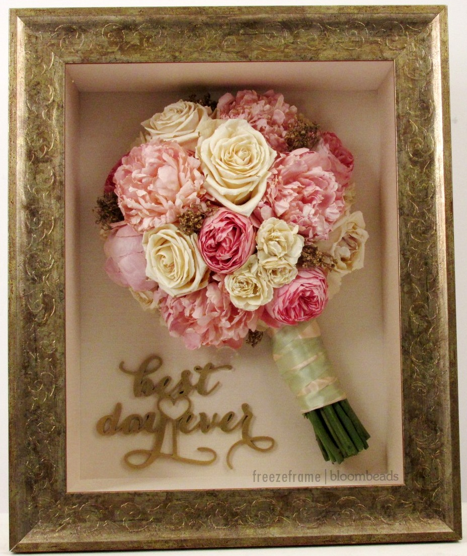 Photo Wedding Flowers: Frame Your Wedding Flowers: Save Your Wedding Bouquet