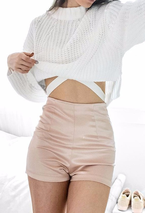 knits + high waist: neutral tones