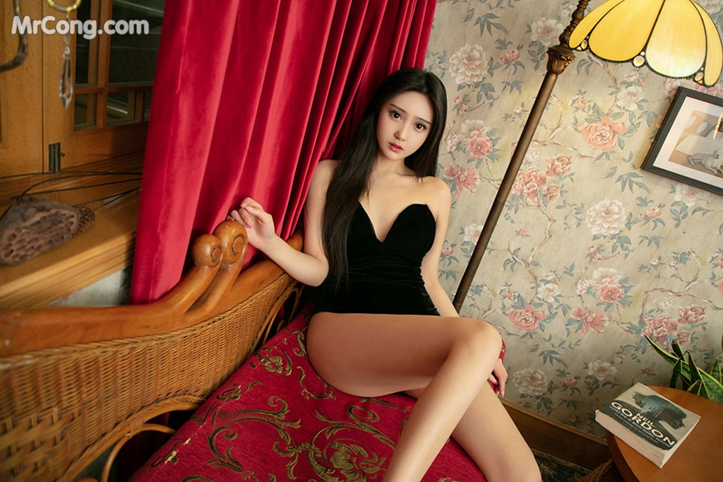 Image UGIRLS-U426-MrCong.com-003 in post UGIRLS U426: 一只香蕉船 (65 ảnh)