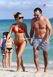 Sylvie Meis Super  fit  body in tiny red bikini WOW Beach Side  Pics Celebs.in Exclusive 004