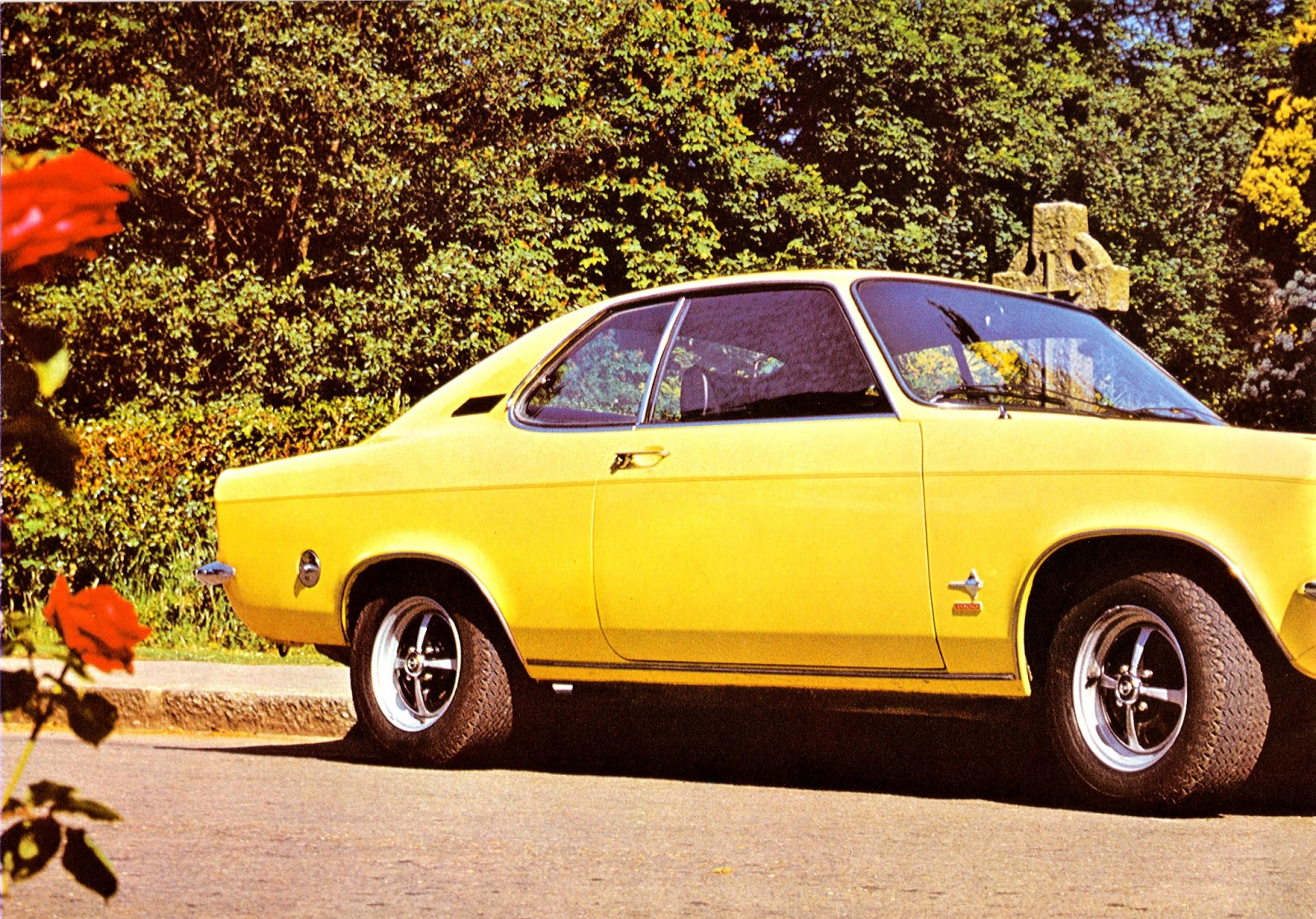 for sale opel manta a series sales brochure 18 classic opel spares. Black Bedroom Furniture Sets. Home Design Ideas