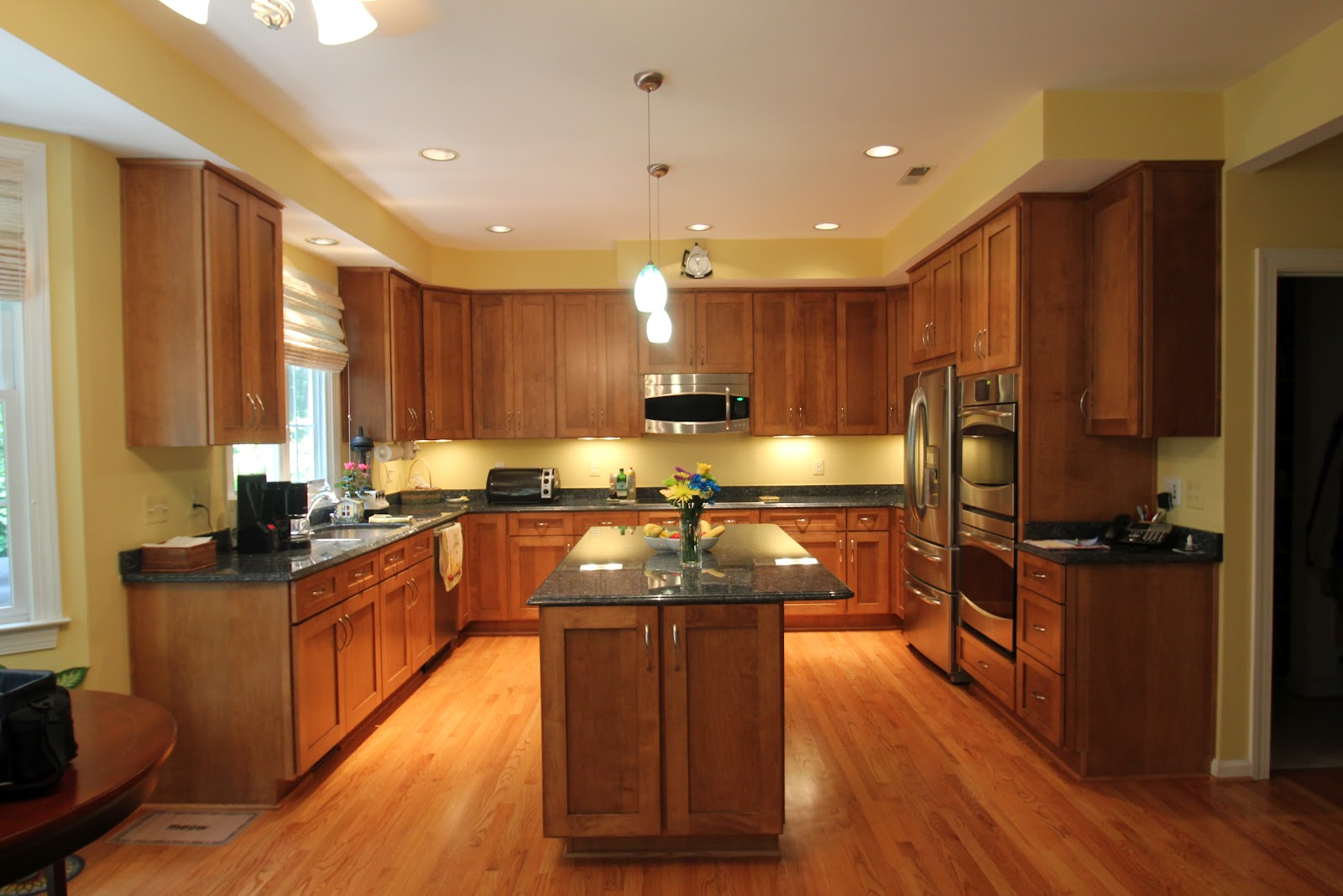 Gorgeous Kitchen Renovation In Potomac Maryland: Signature Kitchens & WoodCrafters: Kitchen Remodeling