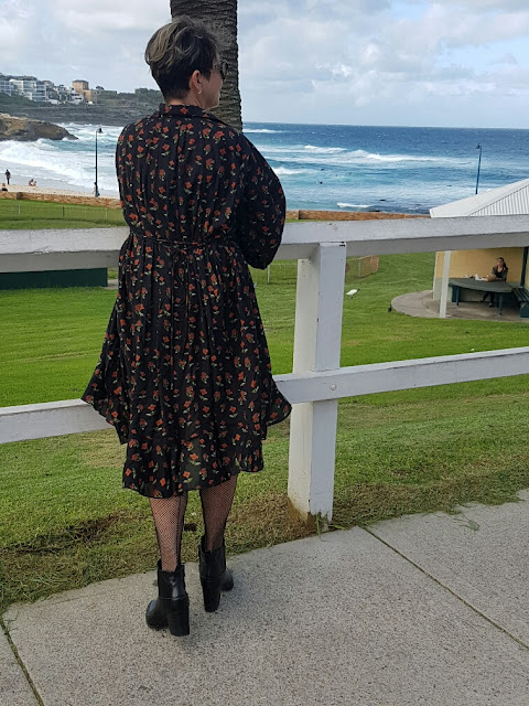 A PERFECT DRESS FOR A SUNNY AUTUMN DAY
