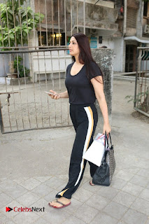 Bollywood Actress Sonali Bendre Spotted in Tracksuit at Spa  0003.jpg