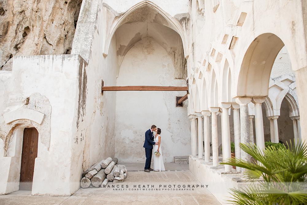 Bride and groom Hotel Convento Amalfi