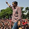 Dari Dulu Jokowi Kotak-Kotak, Kini Niru Pakai Putih