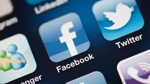لماذا يُنصح بإزالة تطبيق فيسبوك من الهاتف ؟