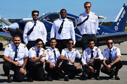 10 sekolah penerbangan terbaik dalam dan luar negeri