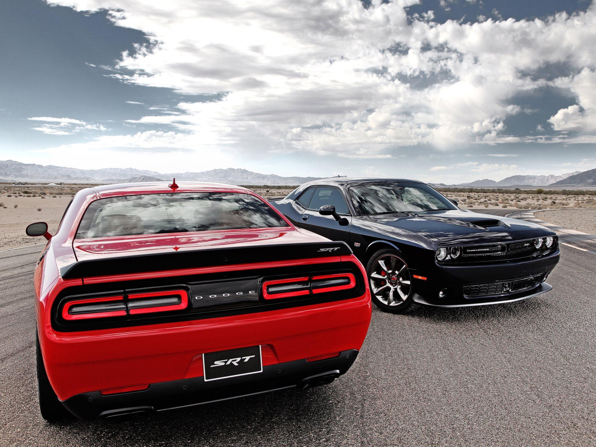 Dodge Challenger SRT Hellcat 2015 HD Wallpapers · 4K