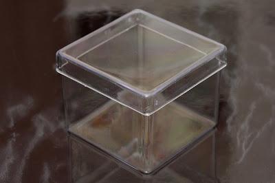caixa acrílica 5x5cm
