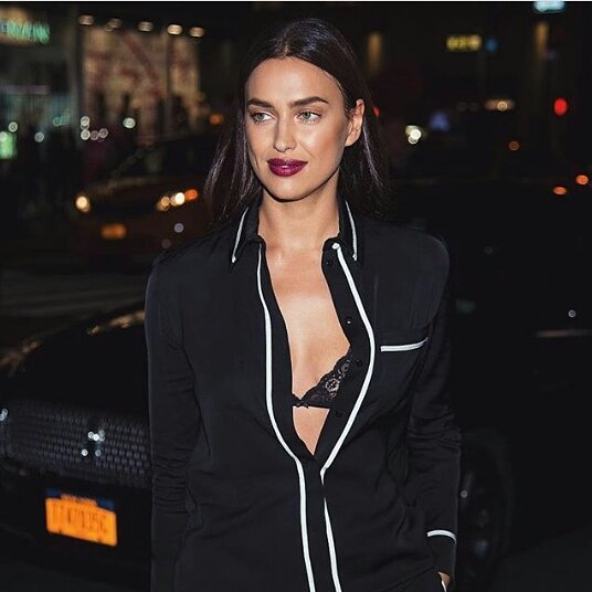 Irina Shayk Latest Stills (12 Photos)