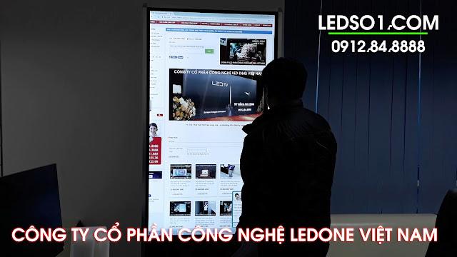 Màn hình quảng cáo LCD 2