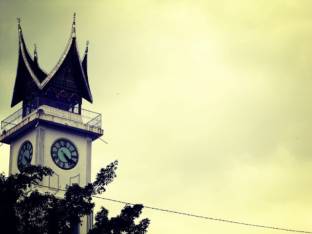 jam gadang wisata andalan bukit tinggi