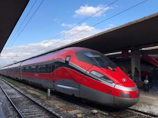 Il Frecciarossa 1000 per Venezia alla stazione di Firenze SMN