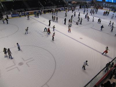 pista hielo indoor, patinar sobre hielo indoor, dubai ice ring