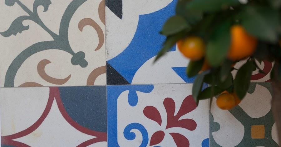 Terrazzo pl ci colorate spectaculos pentru spa ii for Al saffar interior decoration l l c