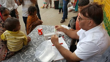 Free Medical Checkup & Medicines at Wall of Humanity