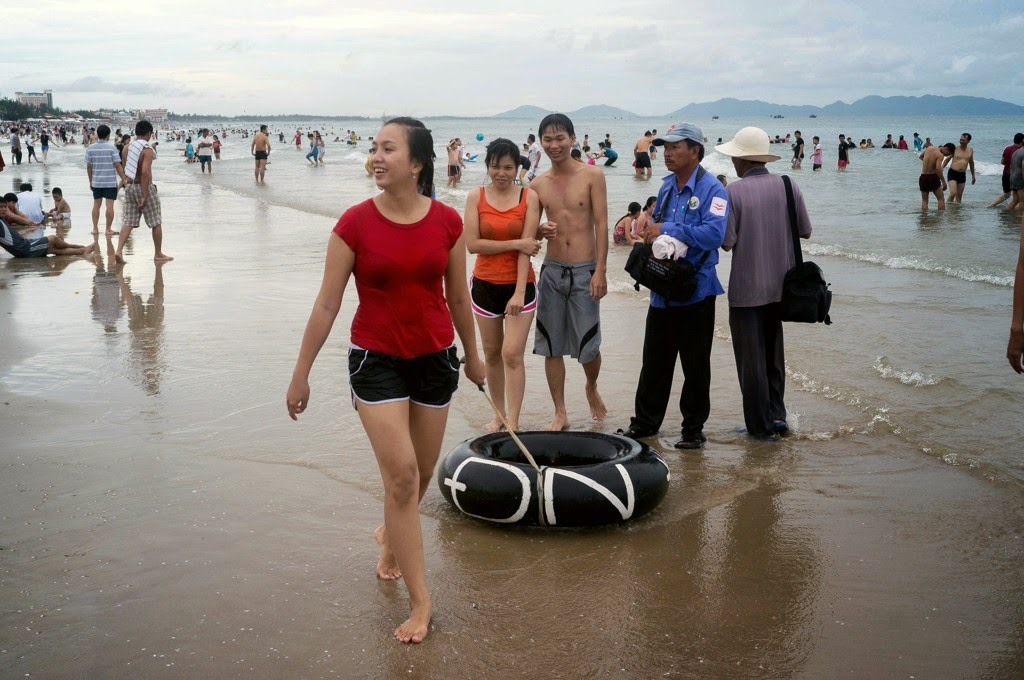 Vung Tau, a favorite beach of Southern people 26