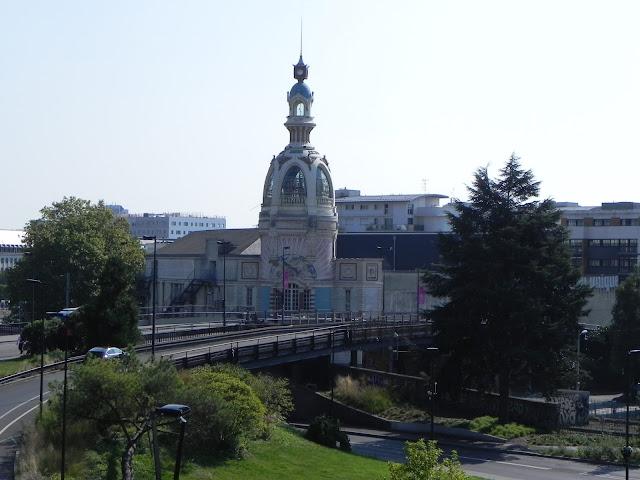 Torre LU vista do Castelo dos Duques da Bretanha - Nantes - França
