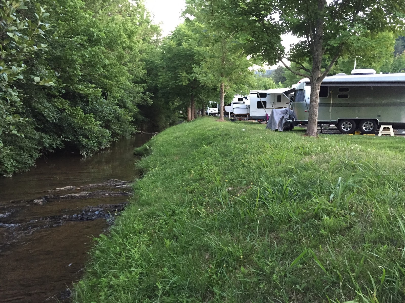 cozy rosie: pine mountain rv park by the creek - pigeon forge, tennessee
