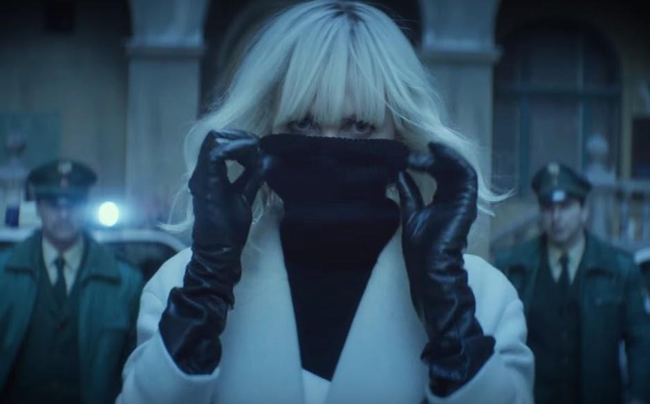 "Charlize Theron dispensa dublês nos bastidores de ""Atômica"""
