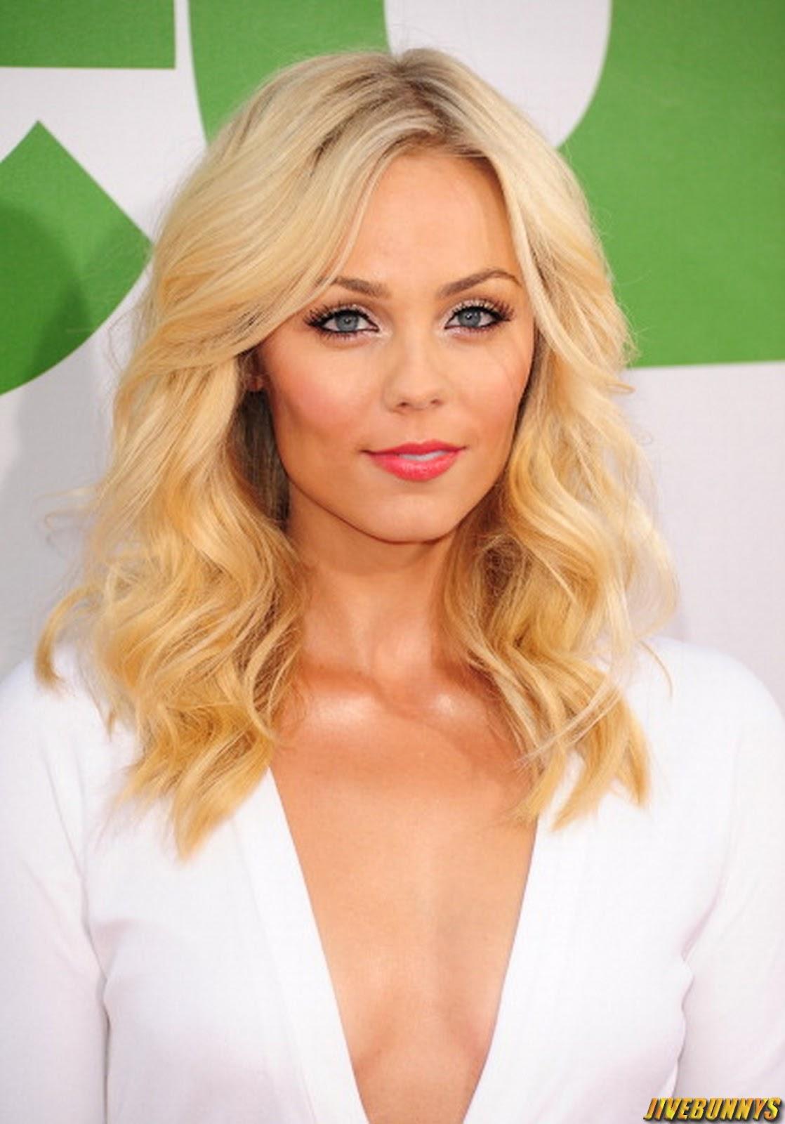 Sexy Blonde Actress 110