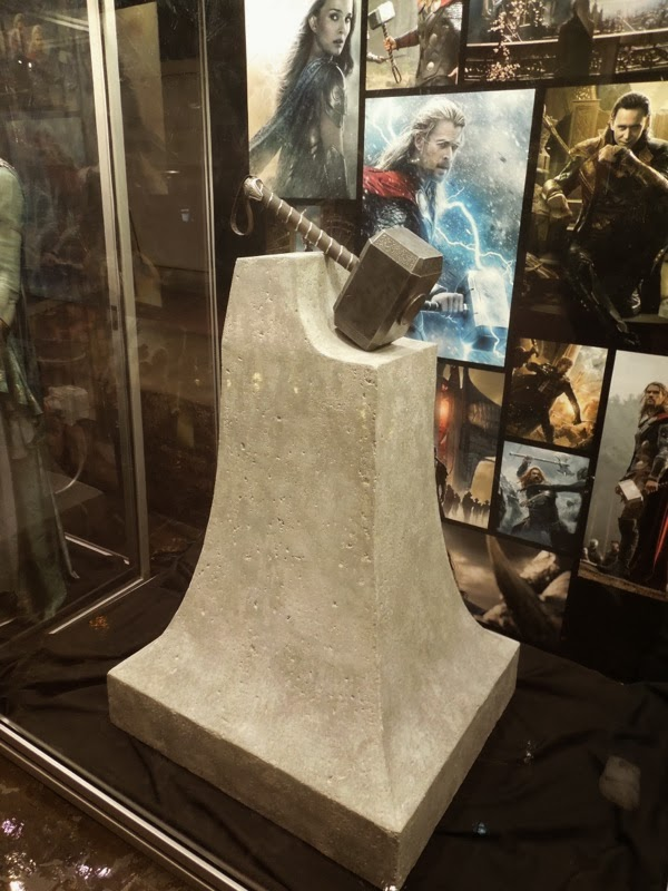Thor 2 Dark World Mjolnir prop
