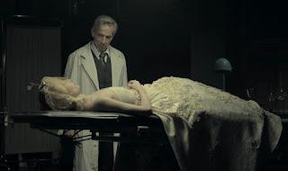 """Cena do filme """"Eva Não Dorme"""""""