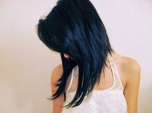 Cute Angled Hairstyle for Medium Length Hair}